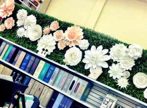 Beautiful Floral Wall!